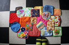 tutorial for a diy potholder rug. #diy #repurposed #upcycled