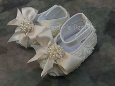 Cream Baby Girl Crib Shoes Ribbon Rosettes with Peals and Crystals for Photo Prop Baptism Christening