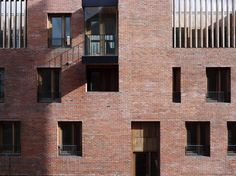 Timberyard Social Housing, Dublin, 2009 - ODonnell + Tuomey Architects Photo (C) Dennis Gilbert, Alice Clancy