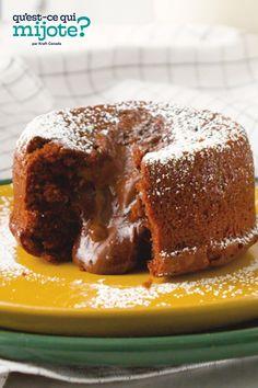 Gâteaux coulants au chocolat et aux noisettes #recette Tasty Chocolate Cake, Chocolate Hazelnut, No Bake Desserts, Dessert Recipes, Molten Cake, Hazelnut Spread, Cooking Instructions, Cooking Recipes, What's Cooking