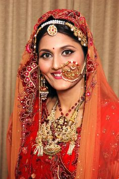 adaf957578 Rajasthani bride wearing bridal jewellery. Nathani and maang tikka Rajasthani  Bride, Indian Bridal Wear