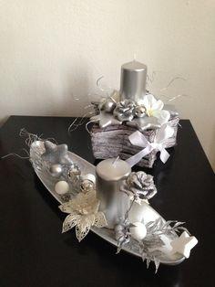 Svícny+-+vánoční+komplet+stříbrný+Při+nákupu+tohoto+kompletu+ušetříte+10%+z+ceny+jednotlivých+kusů+!!!+dekorace+na+stůl,+nezapalujte+bez+dozoru Christmas Urns, Christmas Decorations For The Home, Diy Christmas Gifts, Xmas Decorations, Cup Crafts, Holiday Centerpieces, Floral Arrangements, Desk Arrangements, Christmas Tabletop