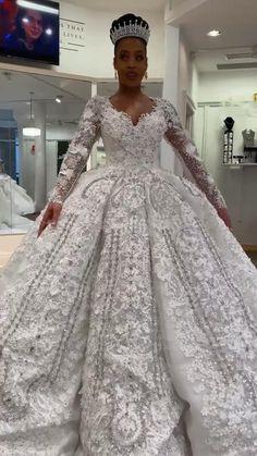 Ballroom Wedding Dresses, Crystal Wedding Dresses, Muslim Wedding Dresses, Stunning Wedding Dresses, Luxury Wedding Dress, Wedding Bridesmaid Dresses, Bridal Dresses, Wedding Gowns, Black Wedding Hairstyles