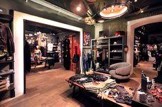 addicted to rock//Vienna//shop design//bar//restaurant//fashion//luster//drums