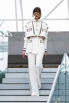 Off White Fashion, Look Fashion, Runway Fashion, Womens Fashion, Badass Outfit, Chanel Runway, Formal Looks, Teen Fashion Outfits, Fashion Killa