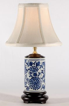 Small Blue White Traditional Cylindrical Porcelain Lamp