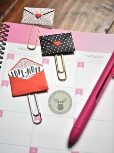 Cute mini envelope paper clips. Make the perfect bookmarks or planner clips using the Love Notes Framelits Dies from Stampin' Up!