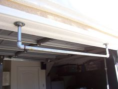 Want to build your own homemade pull up bar for garage gym or backyard? These 21 DIY projects will show you how to make a pull up bar in no time. Homemade Pull Up Bar, Diy Pull Up Bar, Home Gym Set, Diy Home Gym, Basement Gym, Garage Gym, Basement Windows, Diy Garage, Garage Ideas