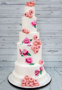 Hand painted floral wedding cake  ~  we ❤ this! moncheribridals.com