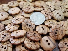 8 Resin Horn Toggle Button 1.75 in 45 mm Swirly Brown Cream Sewing Crafts