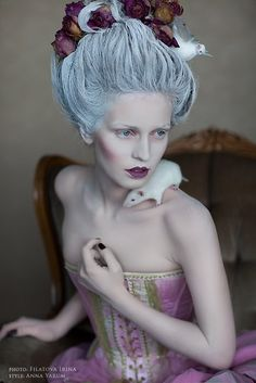 Fashion that Takes You Back - Rococo, Marie Antoinette Marie Antoinette, Rococo Fashion, Maquillage Halloween, Madame, Burlesque, Look Fashion, Makeup Inspiration, Editorial Fashion, Makeup Looks