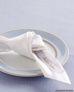 How To:  Napkin Knot and Integrated Placecard