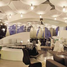 Creative ceiling ideas for your hall...