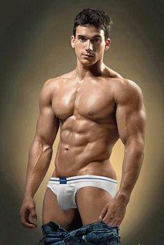 hot-guy muscle speedo bulge jocks 筋肉 競パン 男 Bodybuilding, Hot Men, Underwear, Muscle Hunks, Muscle Man, Hot Hunks, Muscular Men, Male Physique, Hot Guys