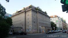 Mitte, Weltkriegs-Hochbunker in der Reinhardtstrasse mit Luxus -Penthouse