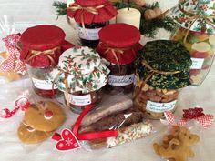 Sütemények, kekszek, magvak, aszalványok, lekvárok, szörpök... és még sokféle házilag készített finomsággal lephetjük meg szeretteinket. Christmas Holidays, Christmas Crafts, Gourmet Gifts, Gingerbread Cookies, Paleo, Advent, Food, Christmas Vacation, Gingerbread Cupcakes