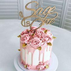 Birthday cake 🎂 🌹 buttercream cream cake decorating roses and cake girly cake golden leaf cake inspiration home made cake – Artofit Pretty Cakes, Cute Cakes, Beautiful Cakes, 21st Birthday Cakes, Birthday Cakes For Women, Fondant Cupcakes, Cupcake Cakes, Cupcakes Decorados, Girly Cakes