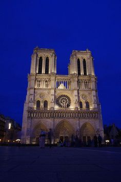 Notre Dame at blue hour by elpolodiablo
