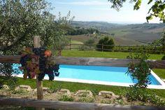 Giardino e piscina, esterni villa Gemma di Sant'Elena