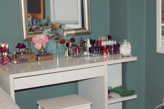 BeautyFash {from Sequins to Cilantro!}: Beauty Ramblings: The Perfect Vanity