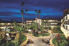 Embassy Suites Mandalay Beach Hotel and Resort. Booking link:  http://embassysuites3.hilton.com/en/hotels/california/embassy-suites-mandalay-beach-hotel-and-resort-OXNCAES/index.html
