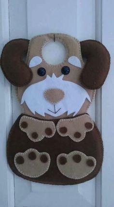 Felt Ornaments Patterns, Felt Crafts Patterns, Felt Phone Cases, Diy And Crafts, Arts And Crafts, Peg Bag, Felt Dogs, Animal Crafts, Felt Christmas