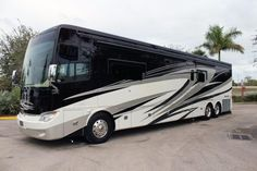 The name of Newmar comes in respect of luxury and style. Nothing can beat its comfort and features. In respect of custom designed motor homes, the name of Newmar stands above all. Their impeccable beauty, comfort and durability.