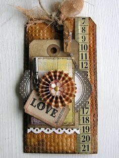 Distressed Love Tag...piabau.