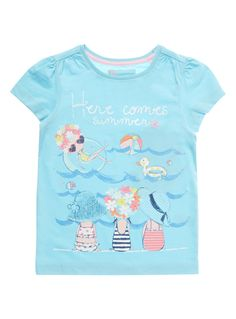 Ensure they are ready for the summer with this t-shirt. In a vibrant blue with… Kids Prints, Baby Prints, Toddler Themes, Teen Trends, Shirts For Girls, T Shirts, Illustration Girl, Baby Wearing, Summer Girls