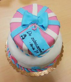 tort na pożegnanie w pracy