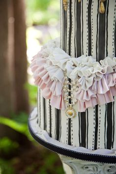 """Sub'd by Debbie C., made by The Caketress photo by Jennifer Klementti Photography  Detail photo  """"Voulez-vous stare at this cake avec moi?"""""""