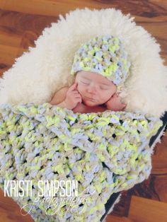 Soft Blanket and Hat Set