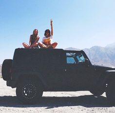besties and a jeep Jeep Cars, Jeep Truck, Jeep Jeep, My Dream Car, Dream Cars, Best Friend Goals, Best Friends, 4x4, Playa Beach