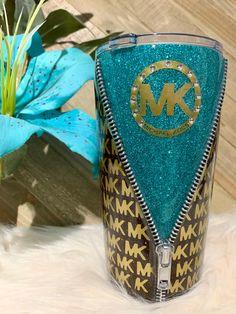 [Custom Tumbers 🖤 Decals] by CustomTumblerSource Diy Tumblers, Glitter Tumblers, Personalized Tumblers, Custom Tumblers, Beach Cups, Money Making Crafts, Custom Cups, Tumbler Designs, Cup Design
