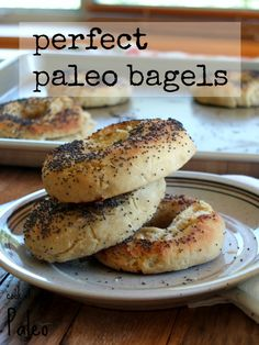 Paleo Bagels - Cook It Up Paleo Excellent! Primal Recipes, Gluten Free Recipes, Whole Food Recipes, Cooking Recipes, Healthy Recipes, Healthy Breads, Tortillas, Paleo Breakfast, Breakfast Recipes