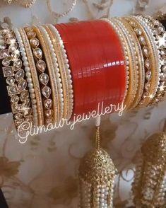Indian Bridal Jewelry Sets, Bridal Bangles, Wedding Jewelry Sets, Bridal Accessories, Indian Jewelry, Antique Jewellery Designs, Fancy Jewellery, Bridal Chuda, Bangle Set
