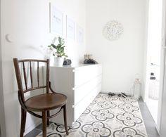 Love that floor and the chair! <3 Koti-ikävä blog.