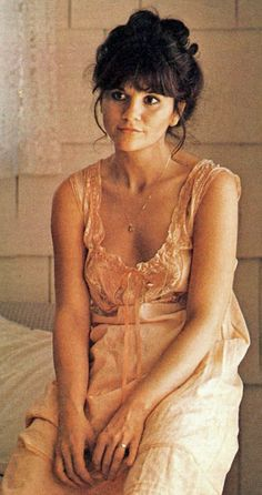 young linda ronstadt naked