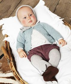 .can't tell if this is an actual photograph or a painting, but my baby will have an outfit like this :)