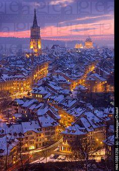 Bern bei Nacht im Winter