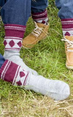 Jussi-villasukat Novita Nalle (arkistomalli) Knitting Videos, Knitting Projects, Knitting Patterns, Crochet Patterns, Wool Socks, Knitting Socks, Sock Toys, Diy Crochet, Bunt