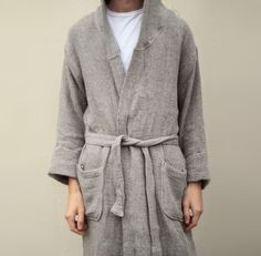 100% cotton bathrobe made in a traditional slow weaving technique to create the wool-like look, while maintaining the soft touch of premium cotton.