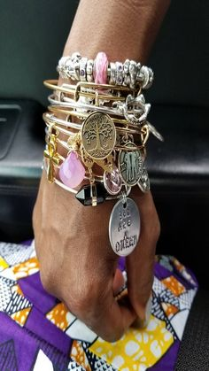 2018 new fashion charm bracelets Jewelry Accessories, Fashion Accessories, Fashion Jewelry, Dior, Beauty And The Best, Chanel, Chunky Jewelry, Charm Bracelets, Purses And Handbags