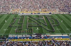 the University of Notre Dame Marching Band of the Fighting Irish will be making a special appearance at Strongsville High School on Nov. Nd Football, College Football Teams, Notre Dame Football, Fighting Irish, Noter Dame, Touchdown Jesus, Notre Dame Irish, Go Irish, Dream School