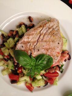 Yellow finn tuna on bean salad with tomatoe and cucumber salad Bean Salad, Cucumber Salad, Tuna, Avocado Toast, Beans, Yellow, Drinks, Breakfast, Beautiful