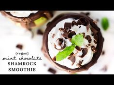 Mint Chocolate Shamrock Smoothie {vegan} - YouTube