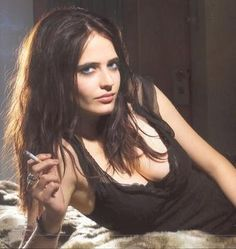 Eva Green born 6 July, 1980 (age in Paris, France. She is famous French actress and model best known as Eva Green. Bond Girls, Sin City 2, Famous French Actresses, Hollywood Actresses, Eva Green Wallpaper, Hd Wallpaper, Wallpapers, Actress Eva Green, Star Francaise