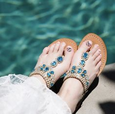 Palm Beach Sandals, Wedge Sandals, Leather Sandals, Beautiful Clothes, Beautiful Outfits, Mystique Sandals, Wedding Flip Flops, Bridal Sandals, Jeweled Sandals
