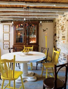 Colorful-Farmhouse---Yellow-Kitchen-Chairs