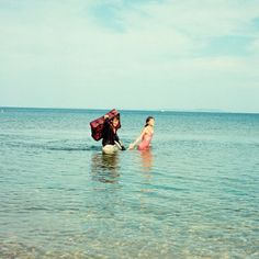 Recreate the romantic scenes of Pierrot Le Fou